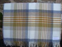 grey gold melbourne check lambswools throw blanket 01
