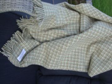 travertine green villa shetland throw blanket 01