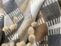 venice natural merino lambswool throw blanket 02