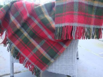 dark maple tartan blanket 01