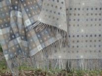 natural spot check merino lamsbwool throw blanket 01